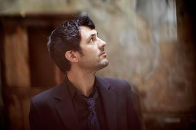 <!--:fr-->Albin de la Simone: Un homme<!--:-->